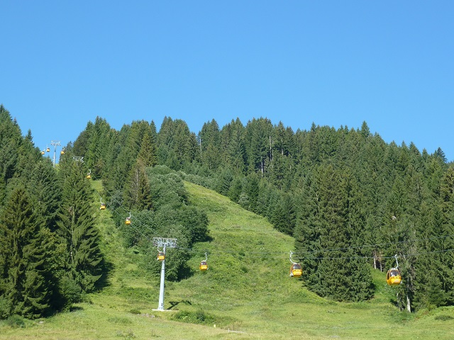 Die Gondeln der Hörnerbahn bei Bolsterlang