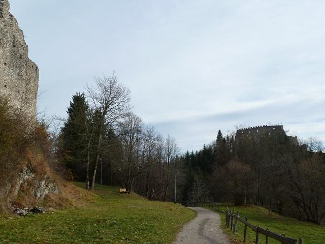 Weg von der Burgruine Hohenfreyberg zur Ruine Eisenberg bei Pfronten