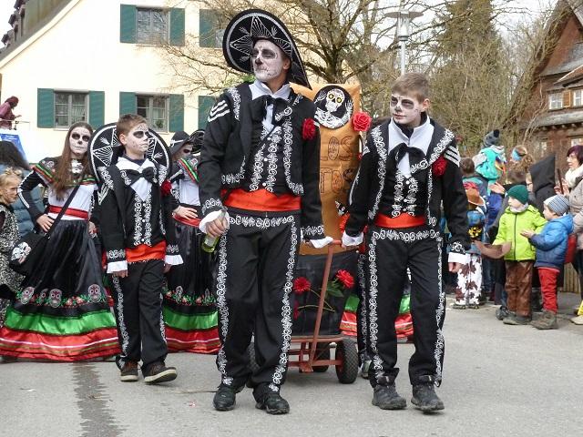 Los Muertos im Fasching 2017 in Obergünzburg