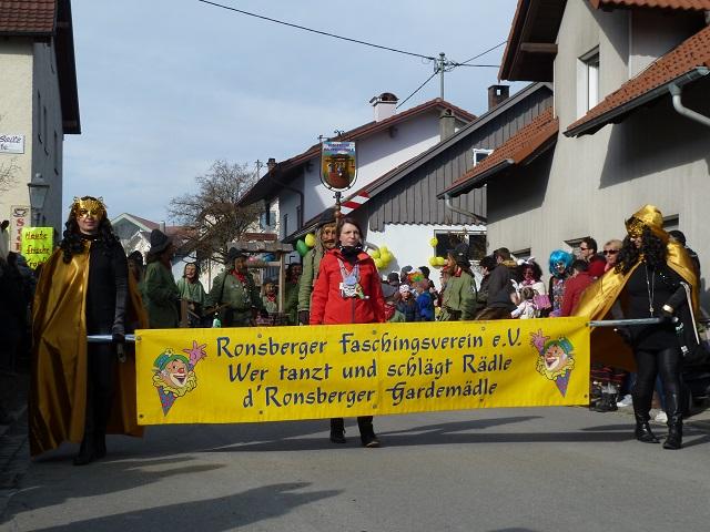 Eröffnungsgruppe Beim Faschingsumzug Ronsberg 2017