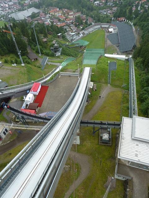Blick vom Schanzenturm der Skisprungschanze Oberstdorf