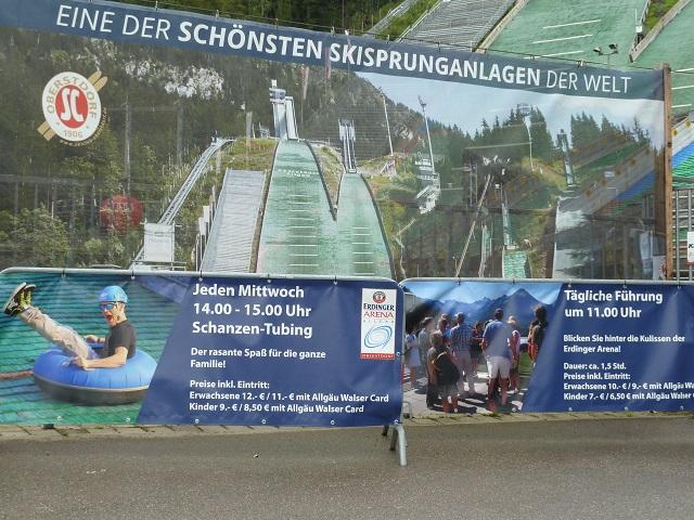 Info-Plakate zur Erdinger Arena