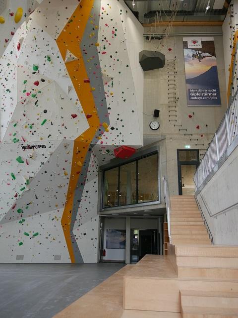 Herausforderungen für Seilkletterer in der Kletterhalle Kempten