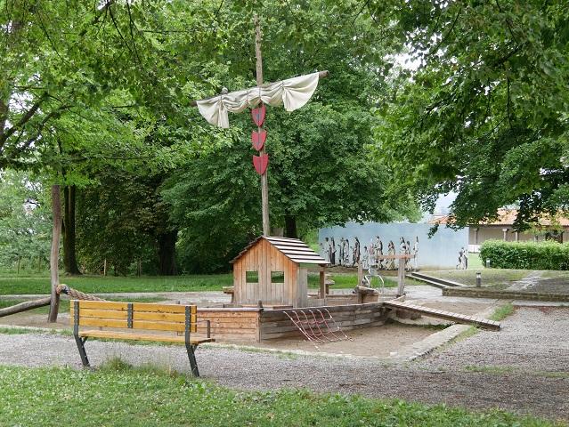 Römerspielplatz am APC - Sandkastenschiff