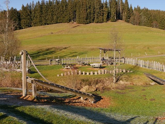 der Spielplatz am Trettenbach bei Weitnau - einer der schönsten Spielplätze im Allgäu