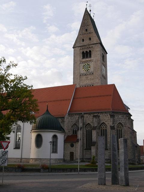 Pfarrkirche St. Martin Obergünzburg - Ansicht vom Marktplatz aus