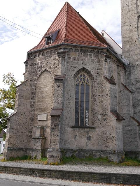 Außenansicht Chorraum der Kirche St. Martin in Obergünzburg