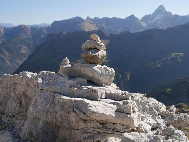 Steinmännchen am Nebelhorn im Pfannenhölzle