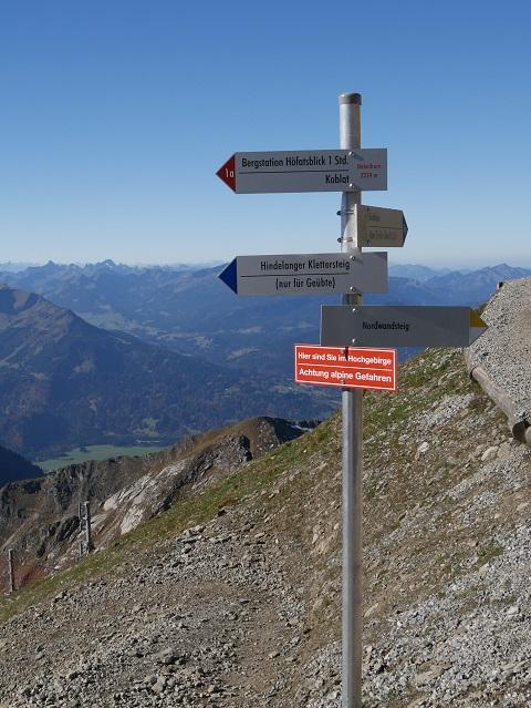 Wegweiser am Nebelhorngipfel