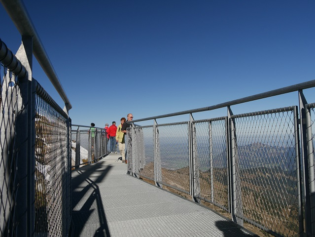 auf dem Panoramasteig am Nebelhorngipfel