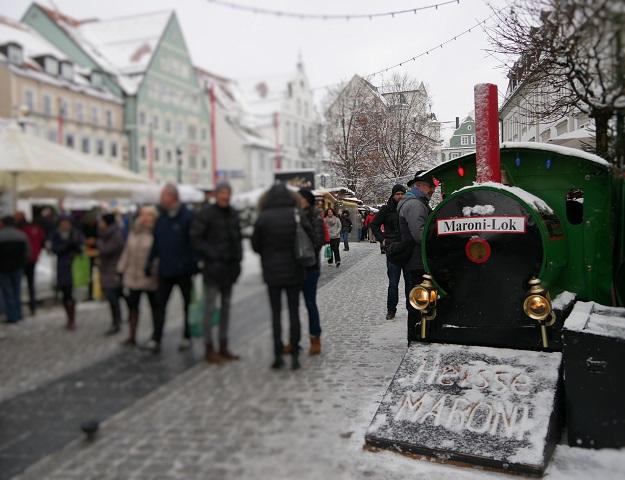 Maroni-Lok auf dem Weihnachtsmarkt Kempten