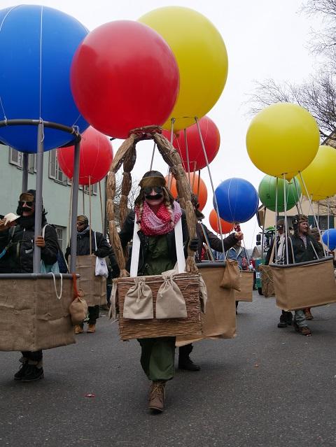 Ballonfahrerin auf dem Faschingsumzug Obergünzburg 2018