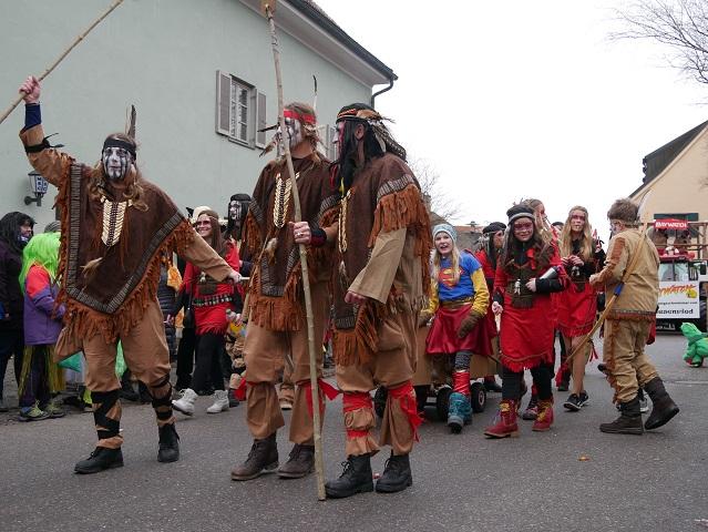Wilde Indianer auf dem Faschingsumzug Obergünzburg 2018