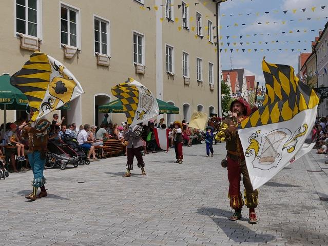 Fahnenschwinger der Herzöge von Teck auf dem Frundsbergfest 2018