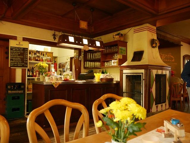 Gaststube in der Burggaststätte Alttrauchburg