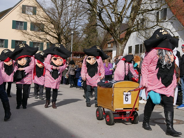 Faschingsumzug Obergünzburg 2019 - lustige Piraten