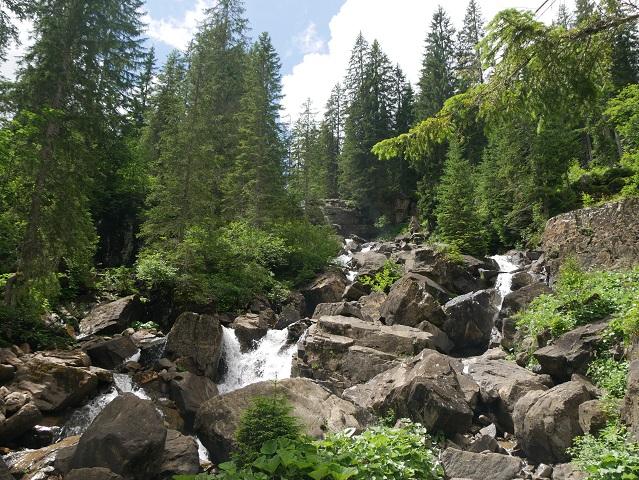 Wasserfall an der Alpe Melköde im Kleinwalsertal