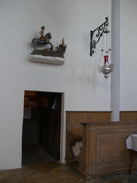 Eingang zum Turm von St. Georg