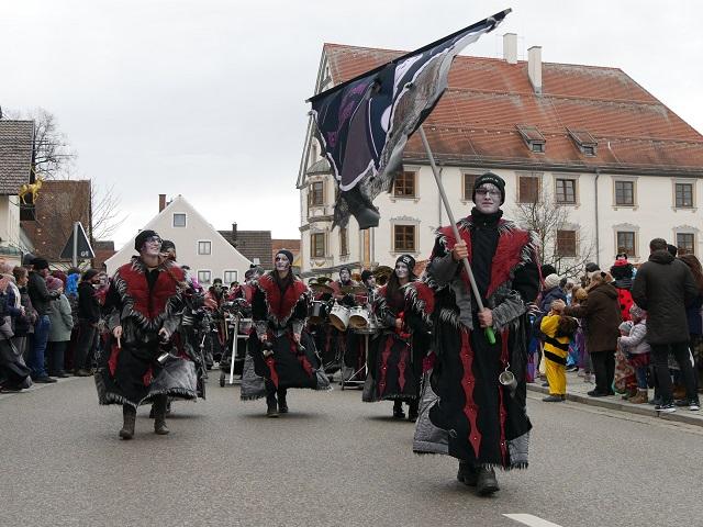 Guggenmusik-Gruppe auf dem Faschingsumzug Obergünzburg 2020
