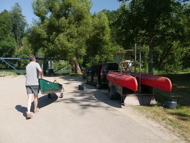 Startpunkt der Kanutour auf der Iller am Hängesteg bei Altusried