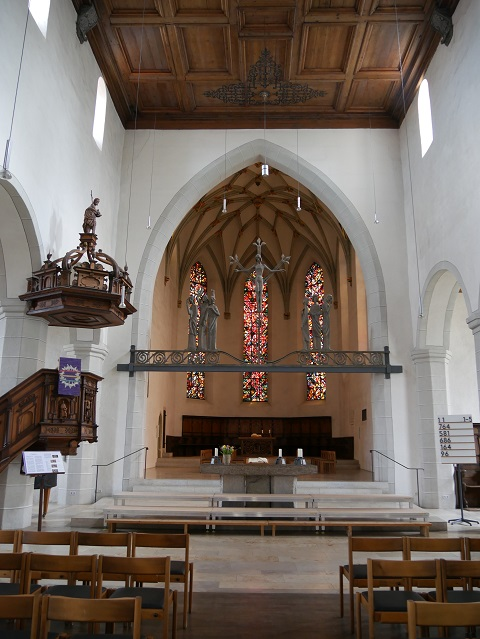 Innenraum der Nikolaikirche in Isny