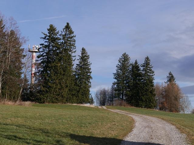 Sendemasten auf dem Magberg bei Ruderatshofen - höchster Punkt bei der Wanderung zur Bergmangalpe