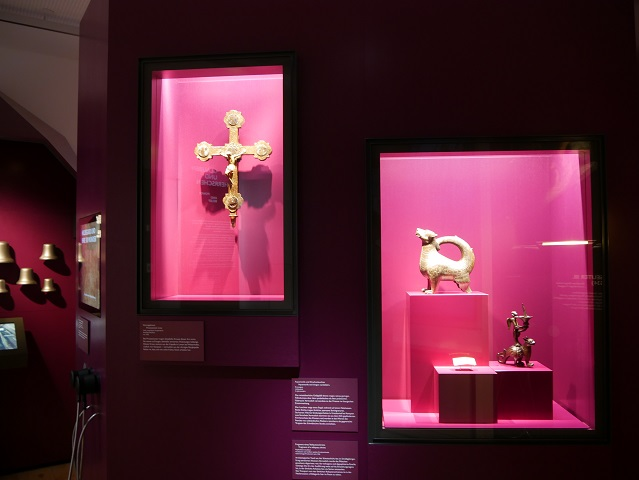 Themenraum Glauben und Herrschen im Kempten-Museum