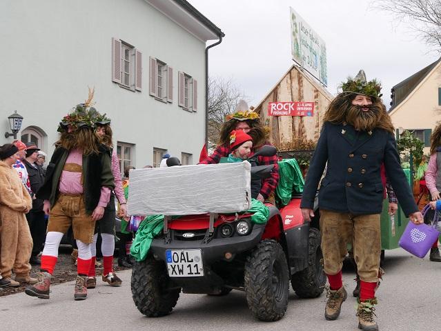 Untrasrieder Kräutermänner auf dem Faschingsumzug Obergünzburg 2020
