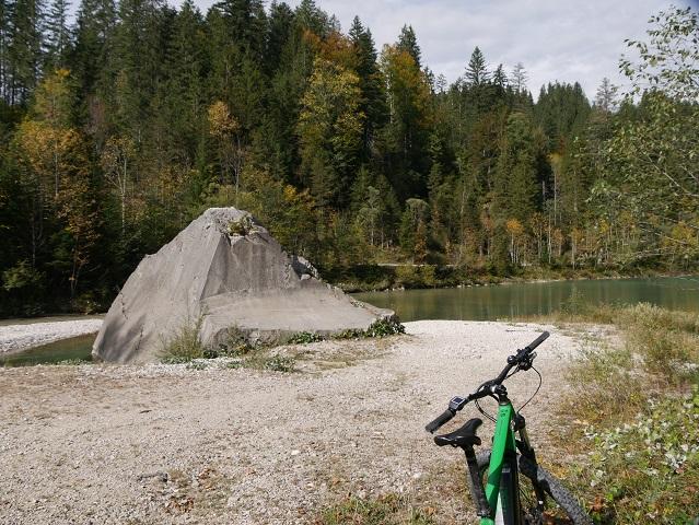 Pause auf dem Weg zur Kenzenhütte am unteren Lobentachbal-Stausee