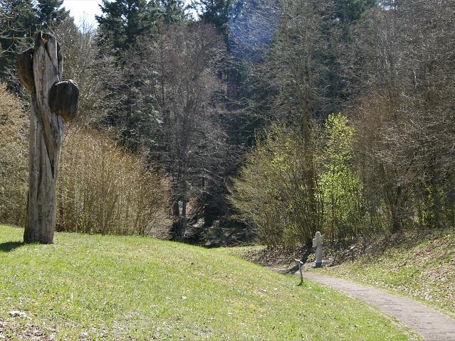 am Skulpturenweg Karsee