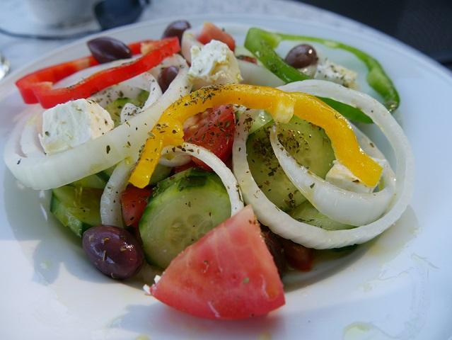 griechischer Salat im Scheidegger Freibad