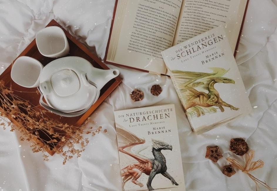 Rezension | Lady Trents Memoiren: Der Wendekreis der Schlangen (2) von Marie Brennan