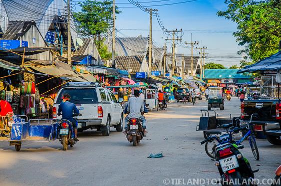 Rong Kluea Market Streets