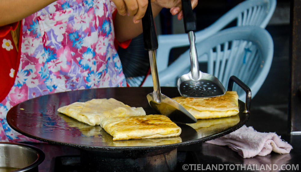 Rotee: banana and egg filled crepes, Thai style