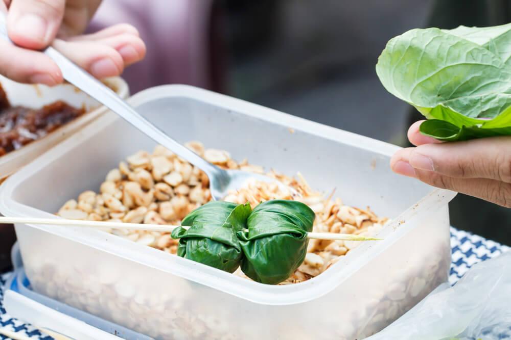 Betel Leaf Wrap - Miang Kham | Food Guide to Thai Street Snacks