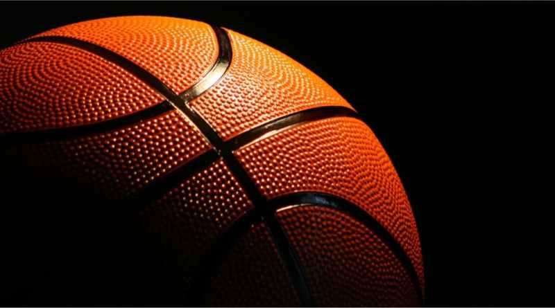 Como se juega al baloncesto