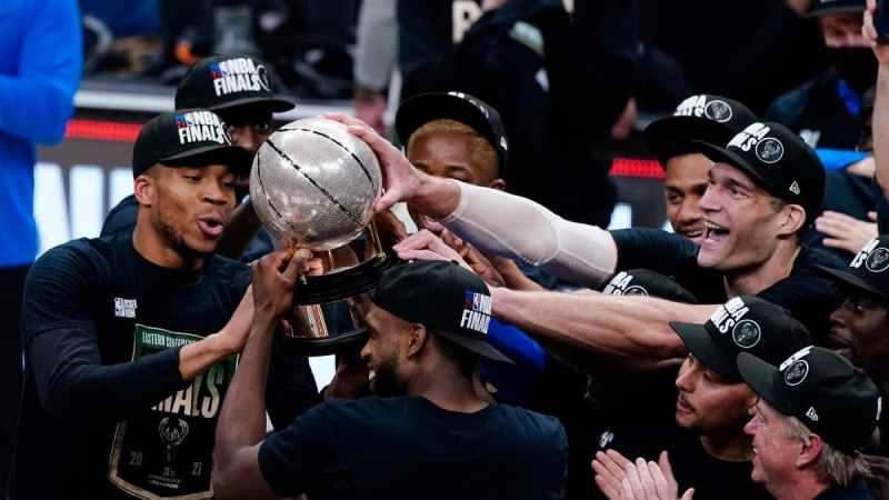Milwaukee Bucks Conferencia Este 2021