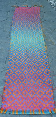doubleweave shawl, blue side up, full view