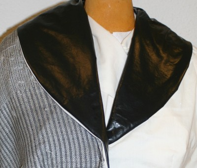 jacket muslin with Celtic braid, with black between braids