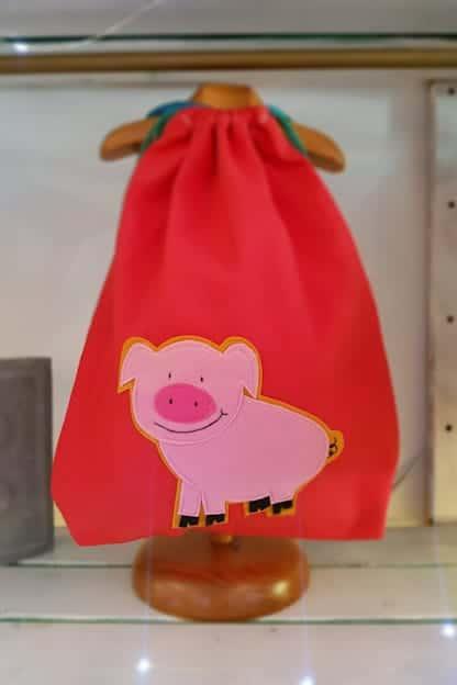 mochila infantil Cerdito rojo