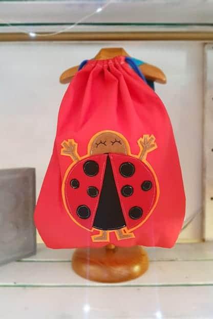 mochila infantil Mariquita rojo