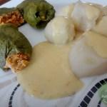 Mangold-Nussbratenröllchen-mit-Topinambur-an-Sellerie-Meerrettich-Soße