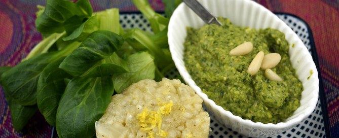 Feldsalat-Pesto und Zitronenpesto
