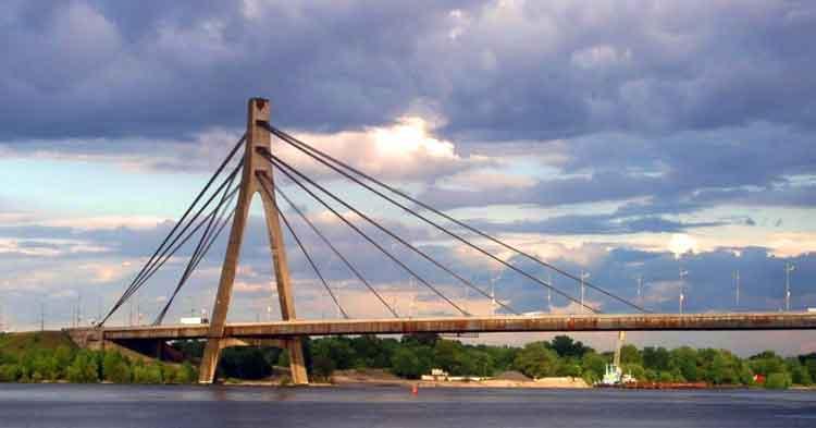 Puente de Moscú