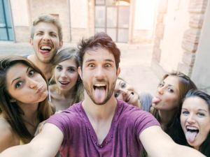 Estudio - ¿Es mejor tener muchos amigos o pocos?