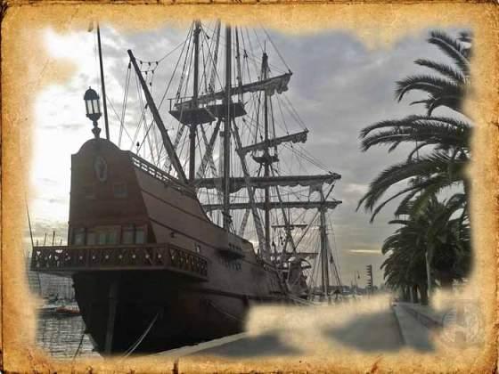 Galeón español la Pepa anclado en Barcelona
