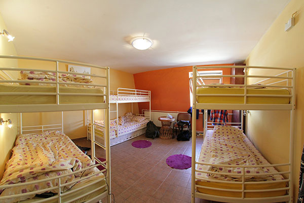 retro-youth-hostel-cluj-napoca-rumania