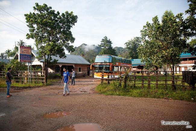 salida autobus desde kong lo a vientiane