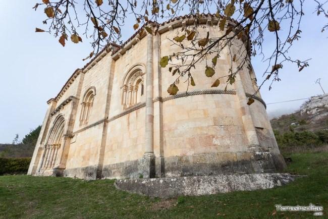 exterior ermita de san juan marquinez