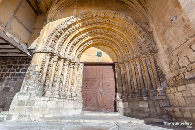 portada iglesia de san pedro apóstol